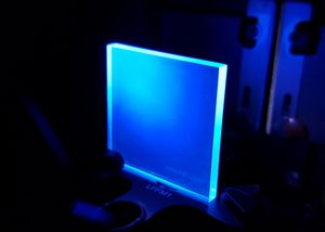 PEN sample excited by an UV lamp.