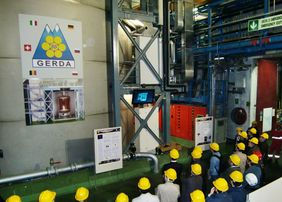 The last measurements of the GERDA experiment were analyzed and published in 2020. The phote shows the experiment's opening in 2010. (Photo: MPP)